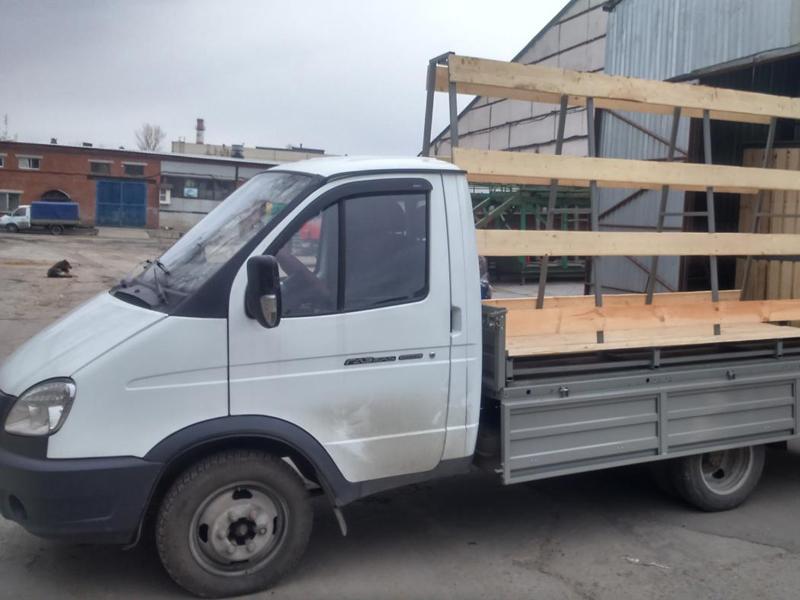 Автомобиль для перевозки стекла